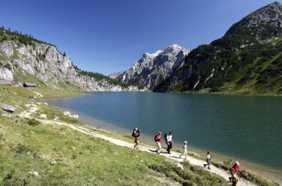 Hiking tour to the Jägersee